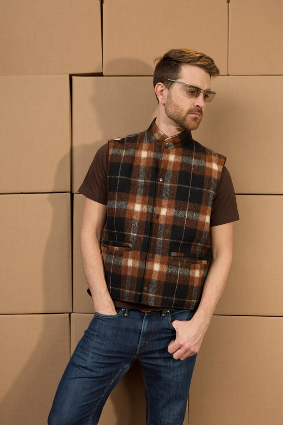 Vintage Men's Medium Size Brown Plaid Vest - Casual Preppy Autumn Earth Tone Canadian Hunting Vest