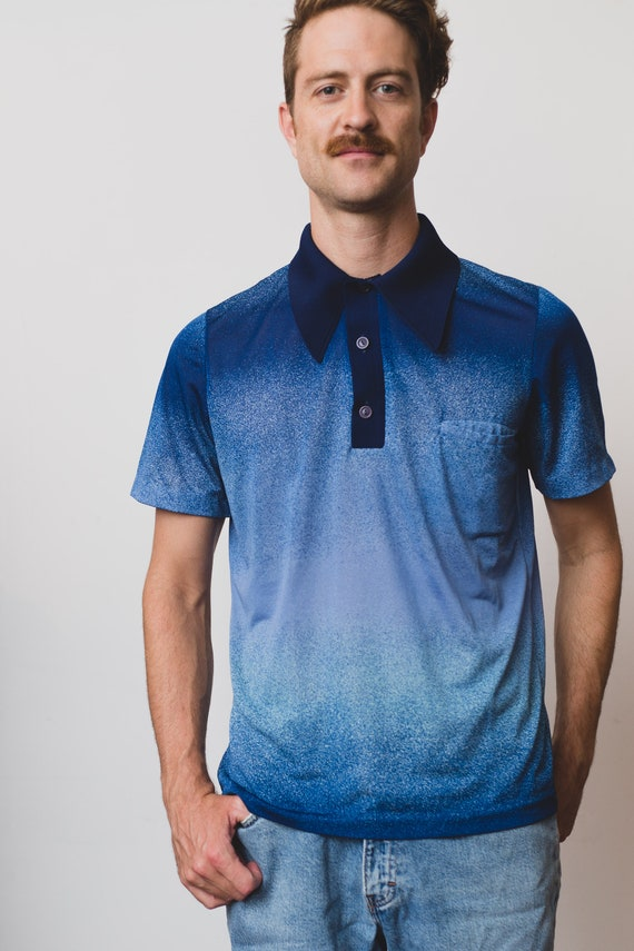 Vintage Men's Polo Shirt - Large Size Ombre Blue 70's Chambord Knitted Sportswear Polyester Tee - Button up Pointed Collar Gradient Shirt