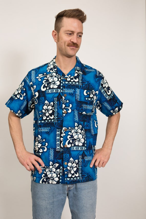 Vintage Blue Hawaiian Shirt - Large Size Men's Button up Casual Short Sleeved White Fauna and Floral Tiki Aloha Summer Tropical Beach Shirt