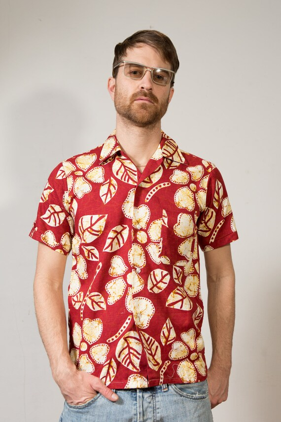 Vintage Hawaiian Shirt - Small Size Men's Red Fauna and Flora Button up Casual Short Sleeved Tiki Aloha Summer Beach Shirt