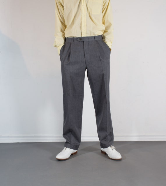 Vintage Mens Grey Trousers - W32 Pleated Dress Pants / Slacks