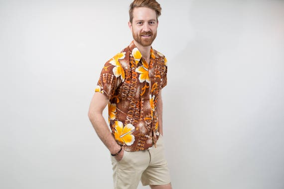 1970's Vintage Mens Medium Pomare Hawaiian Shirt / Button up Casual Short Sleeved Brown and Orange Floral Summer Beach Shirt Made in Hawaii