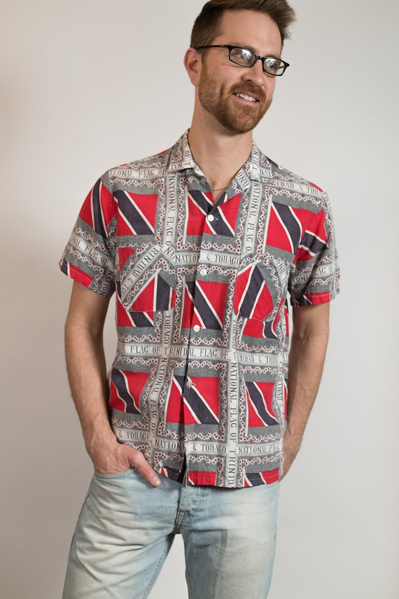 Vintage Abstract Shirt - Medium Size Men's flag of Trinidad and Tobago Button up Short Sleeved Shirt
