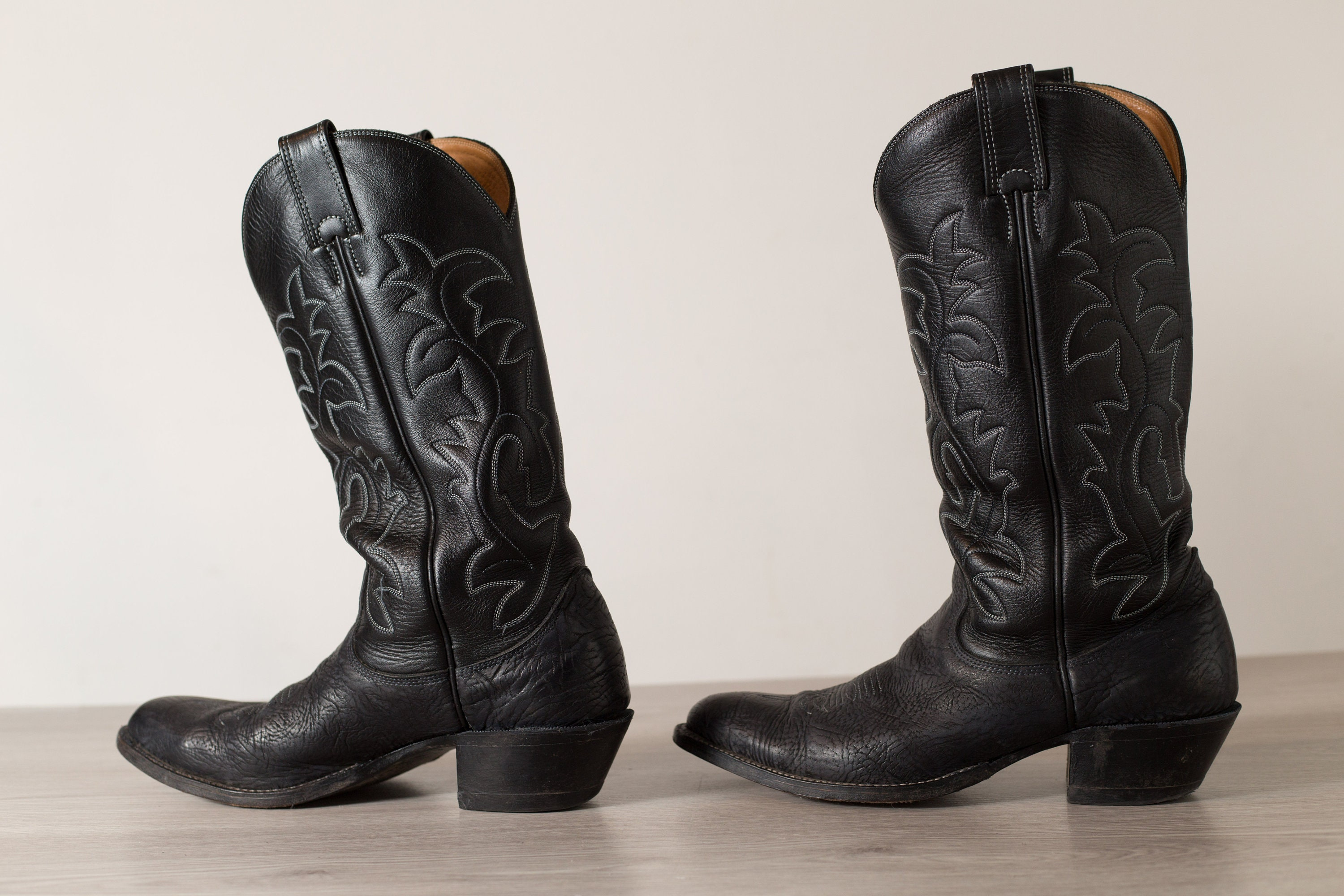 Vintage Cowboy Boots 11b Men S Black Leather Western Horseback Riding Boots Made In Canada Zapatos Zapatos Para Hombre