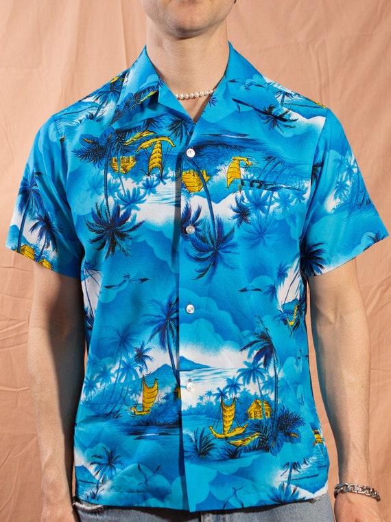 Vintage Hawaiian Shirt 50/'s Medium Size Men/'s Button up Casual Short Sleeved Tiki Aloha Summer Tropical Beach Shirt with Trees and Flowers