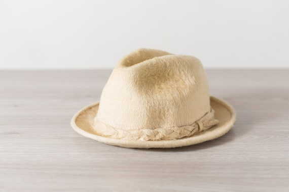 Vintage Polar Bear Fur Hat - Off-White Cream coloured Biltmore Canadian Hat - Medium 55cm Men's Hat - Street Style Streetwear Formal Hat