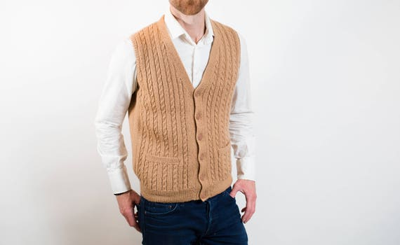 Vintage Mens Small Brown Camel Hand Knit Wool Vest / Casual Preppy diagonal and cable knit Pattern Sporty Autumn Golf Jock Button up Top