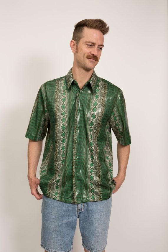 Reptile Print Shirt - Unisex Men's Short Sleeved Green Snake Skin Pattern Button Up Causal Shirt