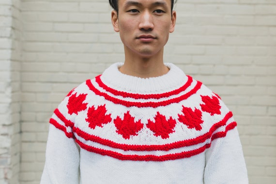Canadian Flag Maple Leaf Sweater / Vintage Wool Hand Knit Sweater / Mens Medium Geometric Bright White and Red Pullover
