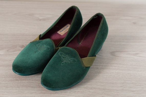 Men's Foamtreads Loafers - size 12 Green Velour Slippers with Heels
