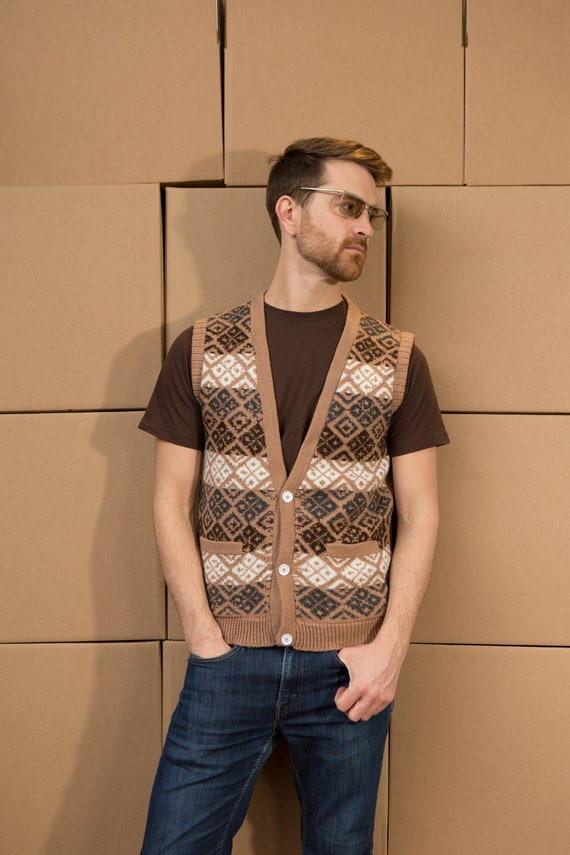 Vintage Men's Medium Size Tan Brown Geometric Knit Wool Vest - Casual Preppy Sporty Autumn Golf Top