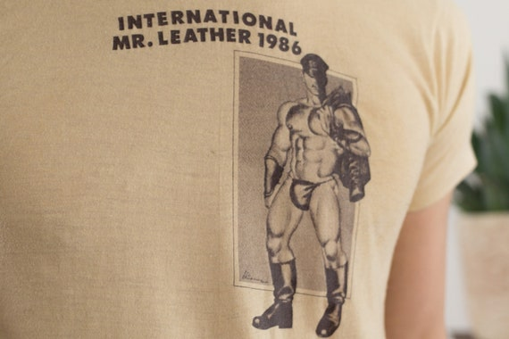 Vintage 80's International Mr. Leather Shirt - Men's Medium Size White Coloured IML Gay Leather Event T-shirt - LGBT Gay Interest Tee