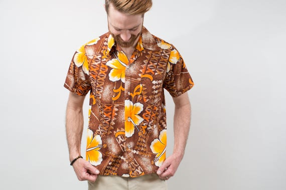 1970's Vintage Mens Medium Pomare Hawaiian Shirt / Button up Casual Short Sleeved Brown and Orange Floral Summer Beach Shirt Made in Hawaii