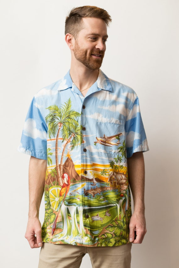 Vintage Hawaiian Shirt - Medium Size Men's Button up Casual Short Sleeved Tiki Aloha Summer Beach Shirt