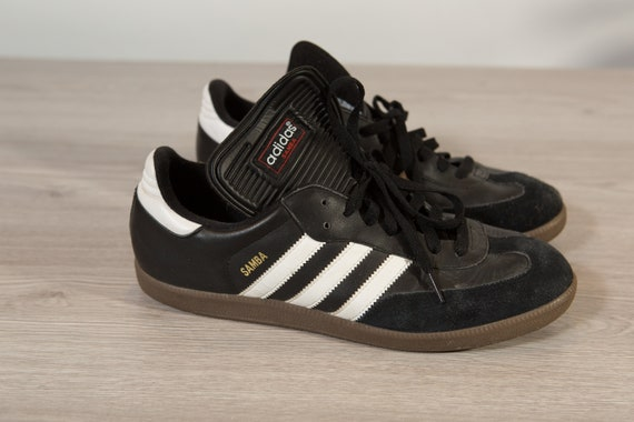 Adidas Sambas Shoes - 10.5 Men's Retro Black and White White Stripe Classic Sneakers