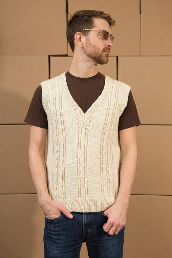 Vintage Men's Medium Beige Cable Knit Wool Vest - Casual Preppy solid knit Sporty Autumn Golf Pullover Top