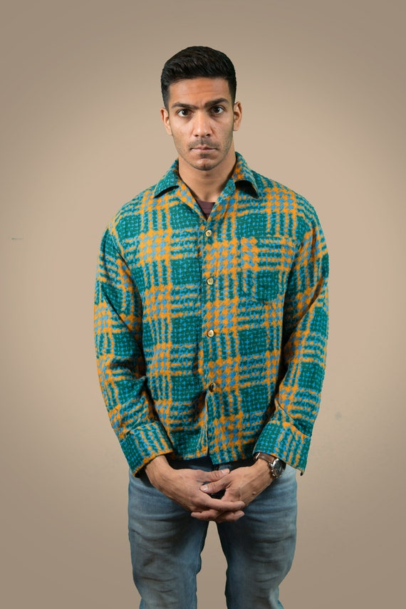Vintage Men's Medium Funky Retro Patterned Shirt - Button up Casual Long Sleeved Green and Orange Summer Beach Shirt