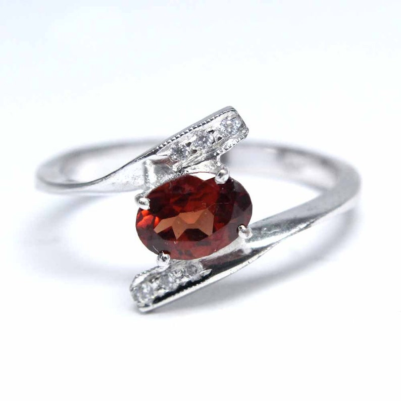 Top Quality Red Garnet Faceted Oval Gemstone Wedding Ring Engagement Ring 7x5 mm Natural Red Garnet 925 Sterling Silver Ring
