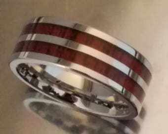 VERI Polished Cobalt Band with Blood Wood Inlays and Beveled Edges   8mm