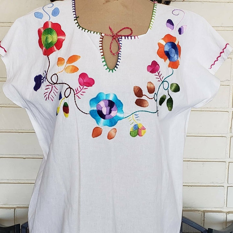 Mexican White Embroidered Blouse Peasant Tunic.