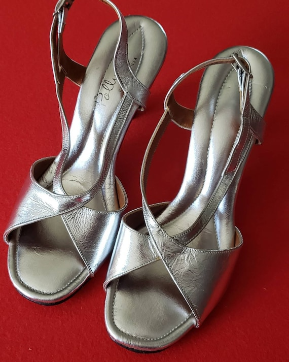 Vintage 60s/70s POLLY of California Silver Heels - image 2