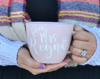 Future Mrs//Coffee Mug//Engagement Gift//Wedding Gift//Best Friend Gift//Sister Gift//Christmas Gift//Bride Gift