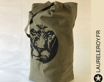 vintage Lion package bag