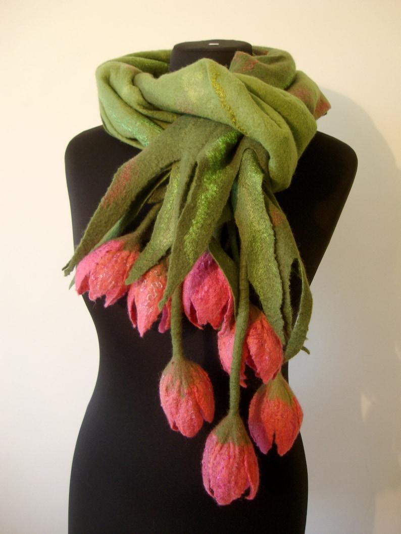 Vert nuno feutré écharpe enveloppement avec feutre de fleurs image 0