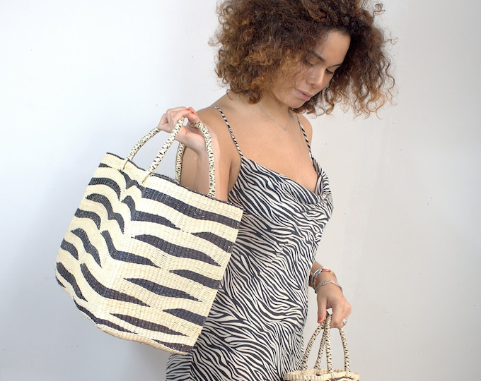THE ZEBRA TOTE