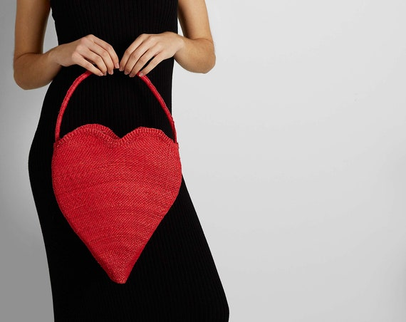 HEART STRAW BAG