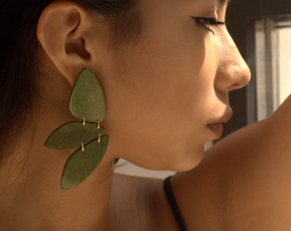 PARROT TAGUA EARRINGS