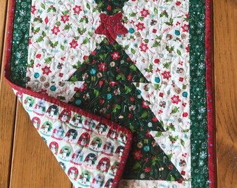 Quilt Kits for Beginners, Easy Christmas Table Runner, Christmas Tree Quilt Kits, pre cut and ready to sew, from QuiltieSisterS.