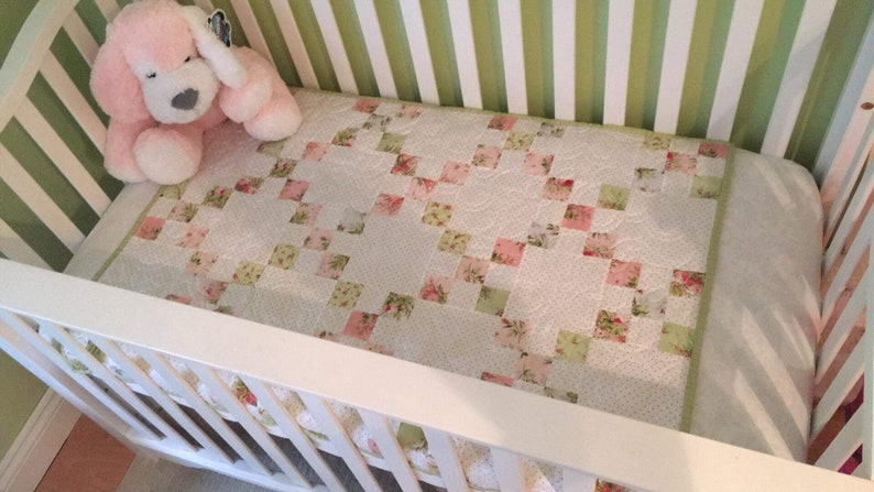 Pre-cut Emily's Irish Chain Baby Quilt Kit from image 0