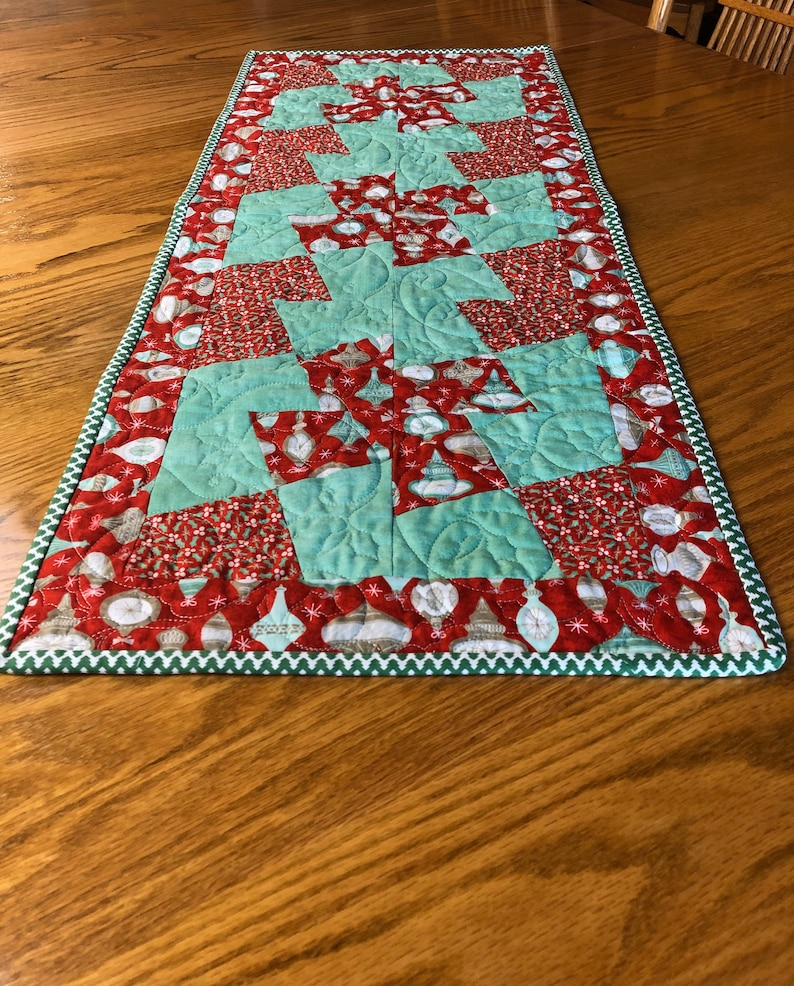 Quick Christmas Table Runner Quilt Kit Project From image 0