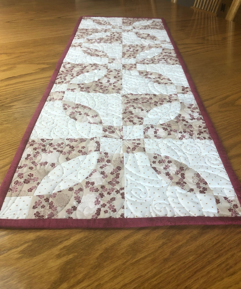 Rose Dream Valentine Pre-Cut Table Runner Quilt Kit from image 0