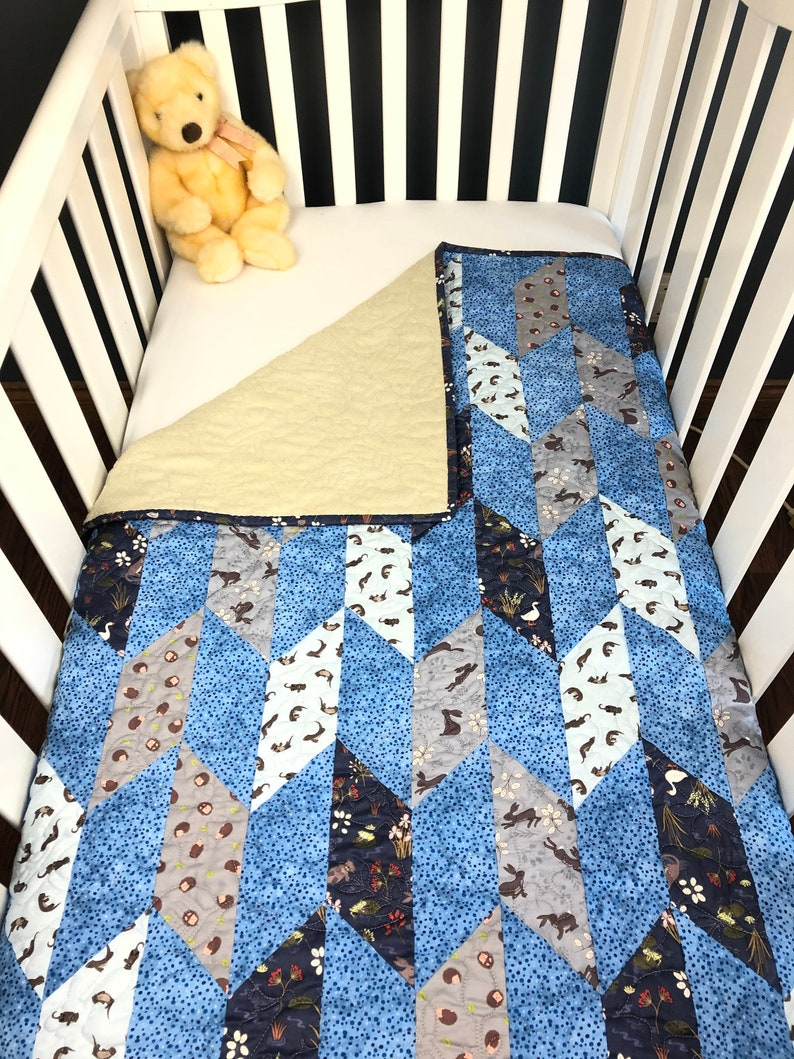 Little Critters pre-cut Chevron Crib Quilt Kit featuring the image 0