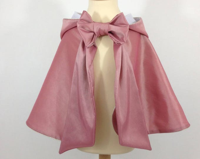 "Princess cape, old pink taffeta, white cotton, coordinated with disguise ""Aurore"""