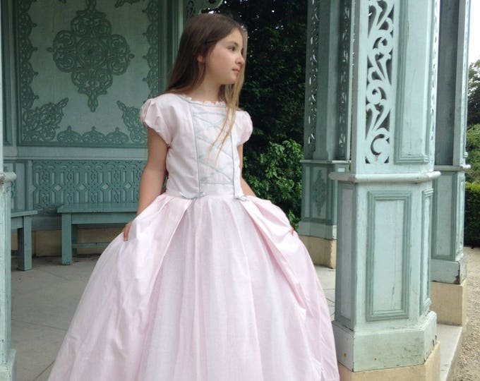 "Powder pink princess dress, cotton and tulle dress, luxury costume, model ""Princess Lena"""