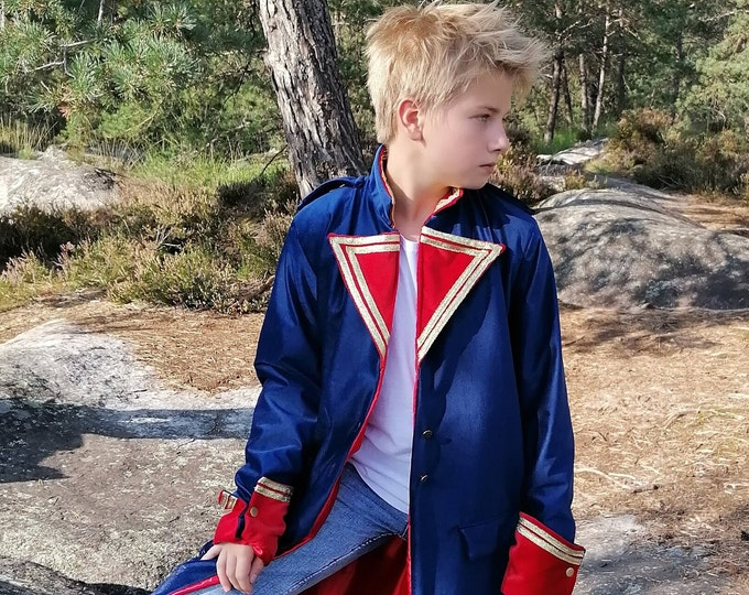 Coat of the Little Prince of Saint Exupéry in blue and red velvet, red satin lining