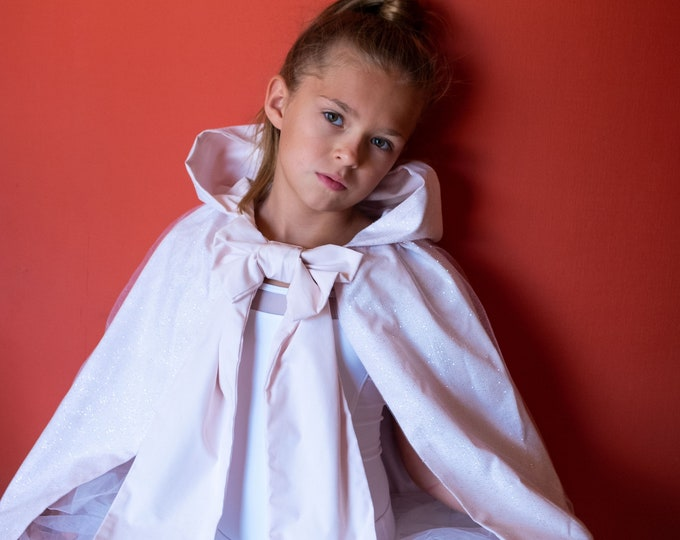 """Princess cape in powder pink cotton and glittery tulle, model """" Princess Lena """""""