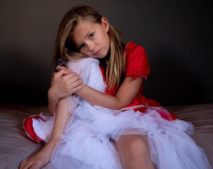 Red taffeta dress and white tulle for girl, Christmas model