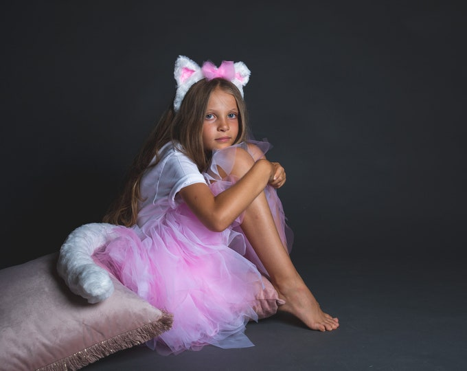 Tutu in pink and white tulle, ears headband and cat tail in very soft white fur, Marie des Aristocats model