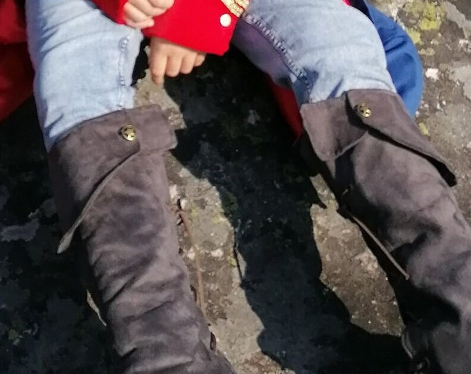 Suede-effect suede gaiters, model The Little Prince of Saint Exupéry