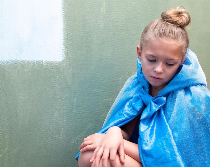 Princess hood in blue taffeta and glittery tulle, Model Petite Marquise