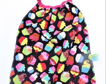 Towel to put on single, large bib, towel kindergarten elasticated, cup cake.