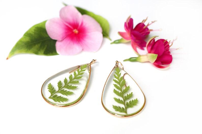 Floral teardrop earrings Botanical jewelry Resin fern earrings Pressed Fern earrings Green leaf Resin earrings Nature lover earrings