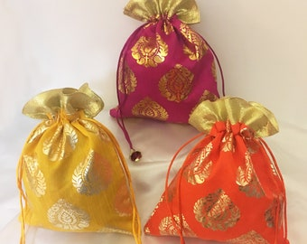 cd70557937e8da 30 Drawstring Bags, Favor Bags, Potli bag, Wedding Gift Bags, Indian  Wedding Favors, Mehndi Favor, Party Favors