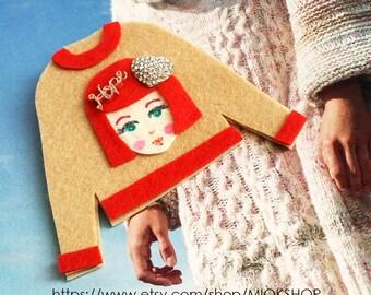 Felt art brooch, Girl brooch,Face brooch, Heart girl face pins, tshirt pins,Girl face sweater,cute girl face pins,Beige sweater, Felt pins