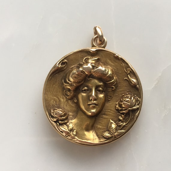 Art Nouveau 14K Gold Locket Pendant