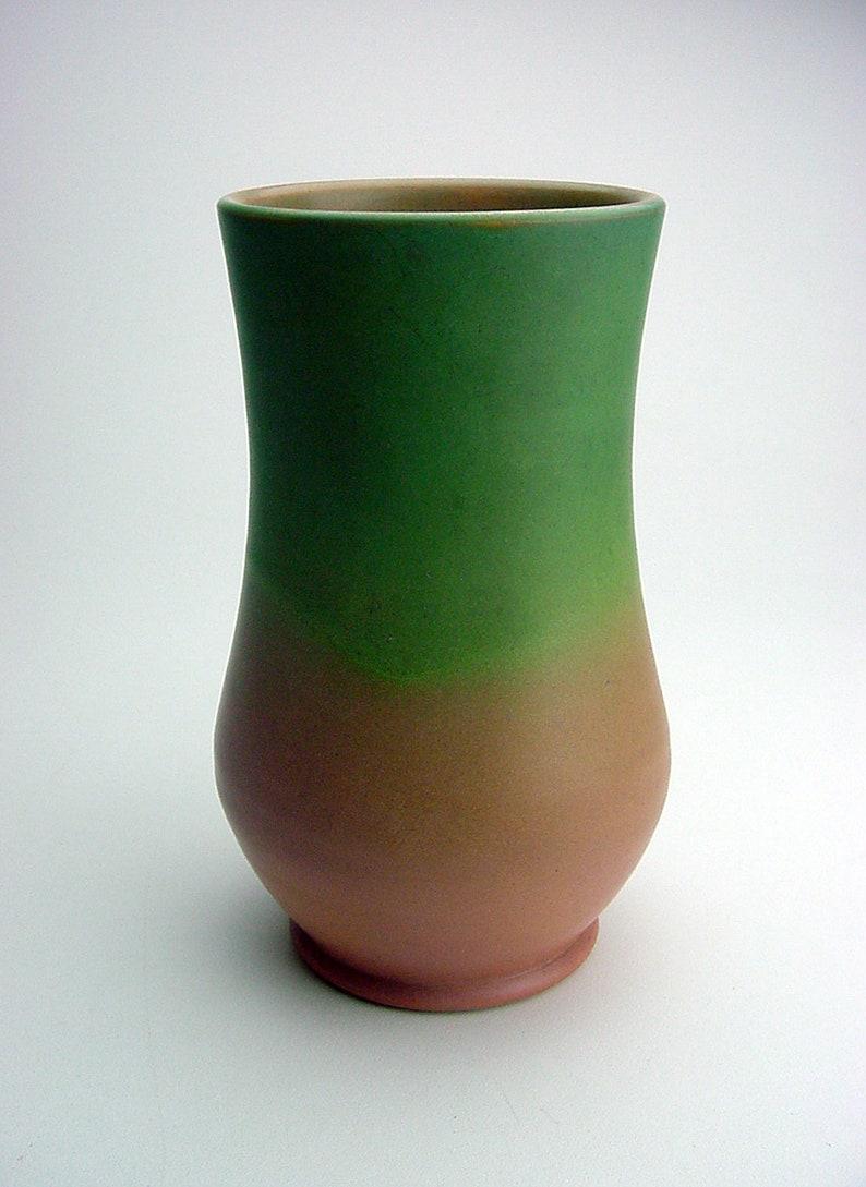 Extremely Rare Circa 1932 Edward Milo Sayre ARTCLAY CO studio pottery vase Scranton Iowa SIGNED